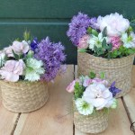 De l'osier et des fleurs, comment réaliser un centre de table romantique – DIY
