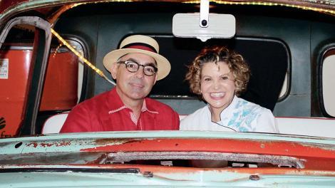 Toned FRONT PAGE 2 1 - Michelle Bernstein y Julio Cabrera se unen en Cafe La Trova