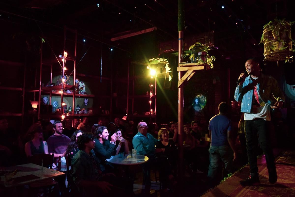 Barter Comedy Night Roast 12 11 19 19 - Las 8 mejores noches de comedia standup en Miami