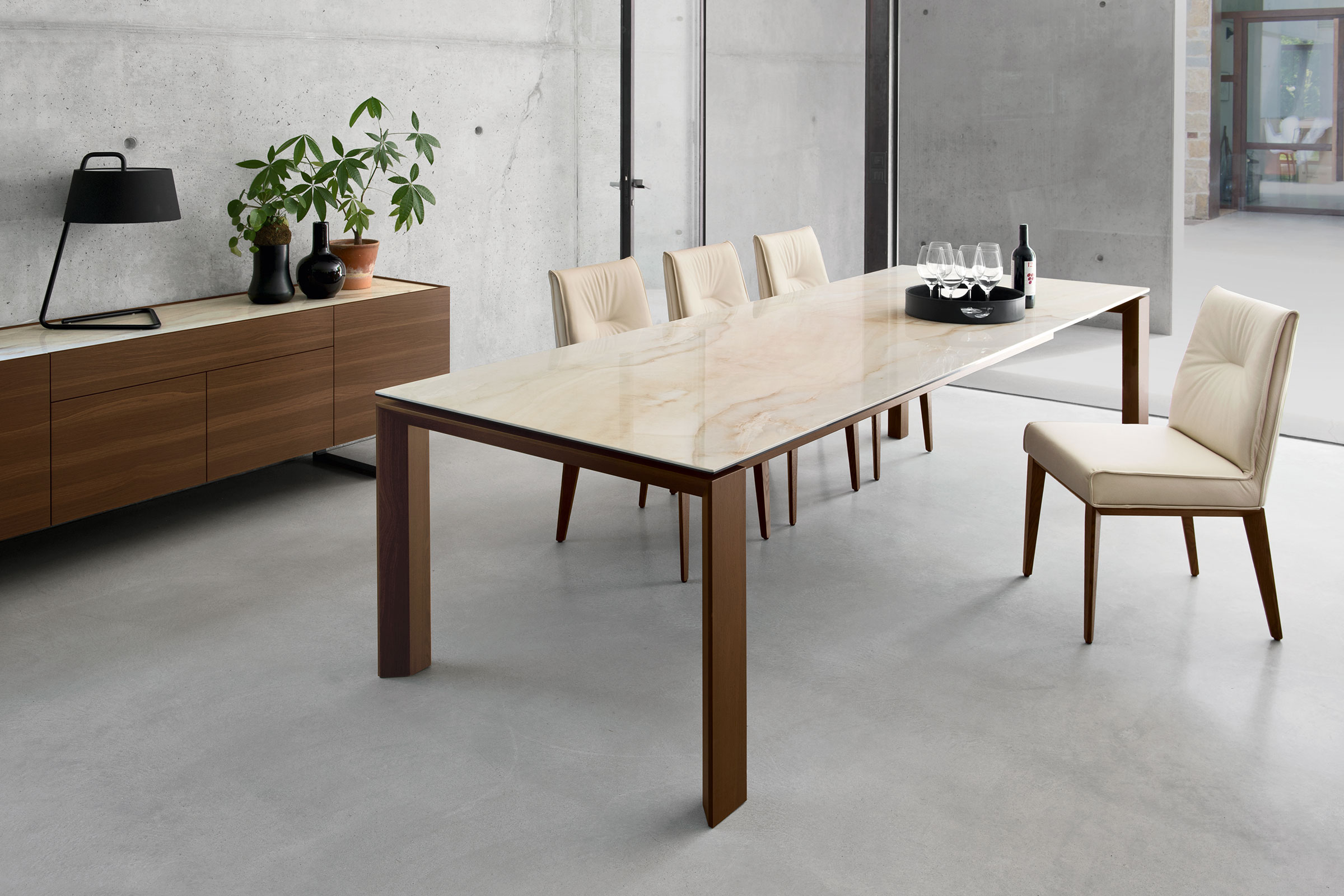 Omnia Extendable Contemporary Dining Table Calligaris