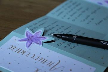 Calligraphique - Carte pliée fleurie - écriture