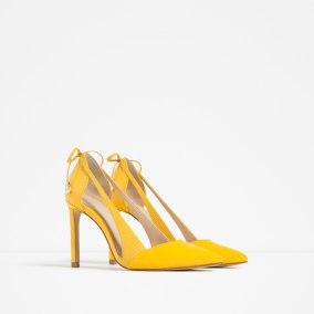 Escarpins à talons et lacet, Zara, 49,95 euros