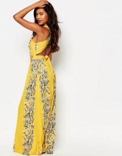 Robe longue dos-nu à fleurs, Boohoo, 38 euros