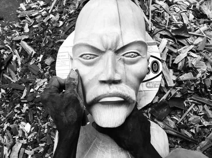 Kiluanji Kia Henda: Under the Silent Eye of Lenin, 2017. Installation wood sculpture, feather and video (single channel, 7 minutes)