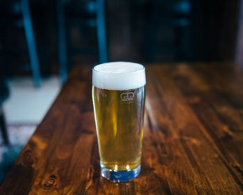 Clintonian---Pint-Glass-on-Table
