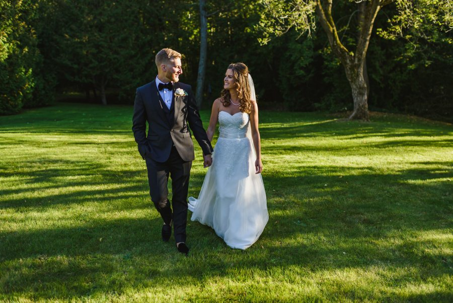 Backyard Ontario Wedding Photography
