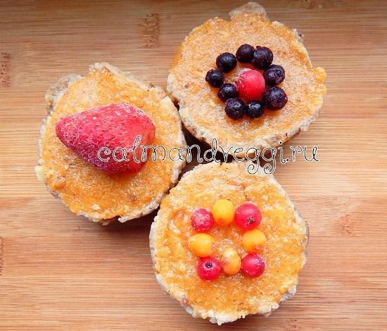 Веганские кексы с хурмой без выпечки. Пошаговый рецепт с фото.