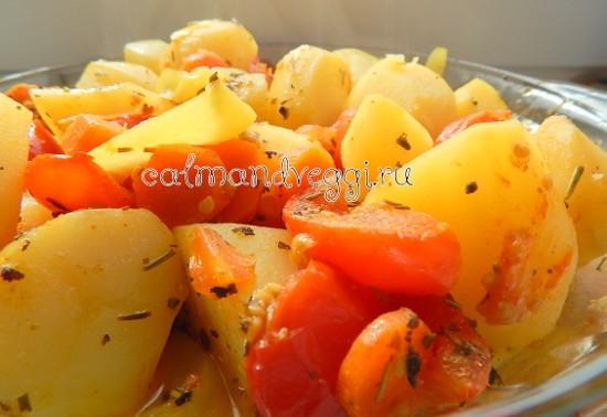 молодой картофель с овощами в рукаве для запекания в духовке рецепт с фото