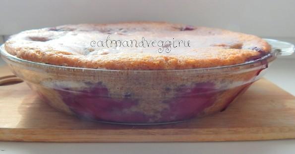 Пирог со сливами без яиц