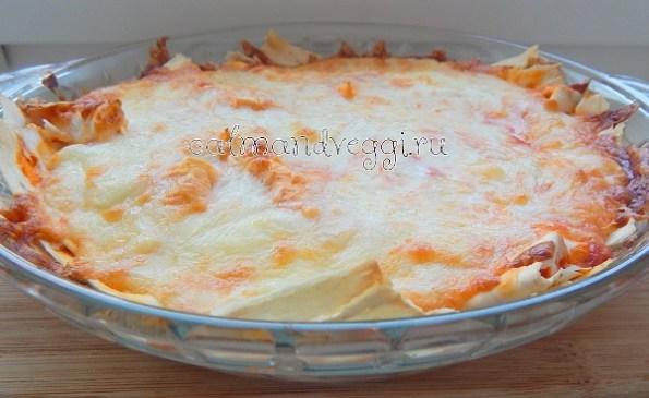 Слоеный пирог из лаваша с сыром в духовке рецепт с фото