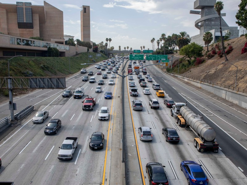 Traffic along highway 101 through downtown Los Angeles on August 7, 2019. Photo by Anne Wernikoff for CalMatters