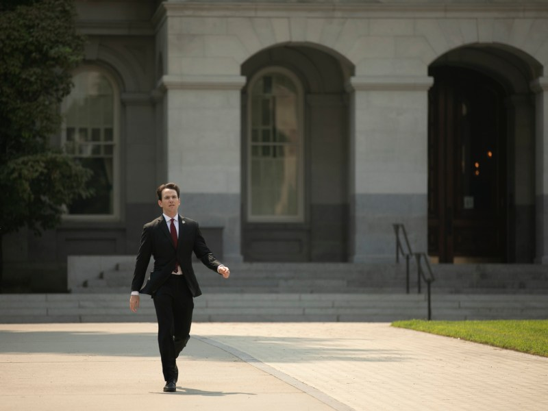 Assemblymember Kevin Kiley leaves the California Capitol on Aug. 28, 2020. Photo by Anne Wernikoff for CalMatters