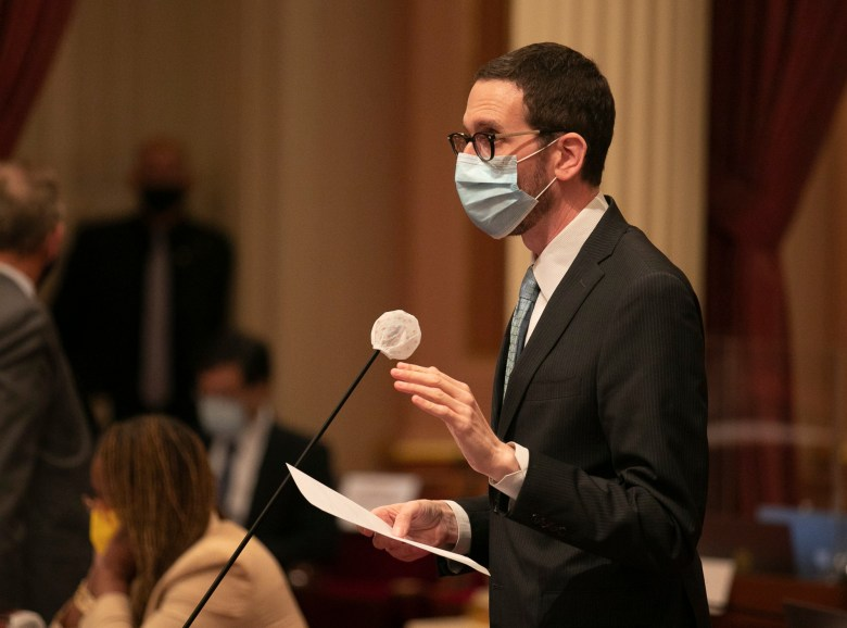 Sen. Scott Wiener speaks on the Senate floor during a vote on Aug. 31, 2020. Photo by Anne Wernikoff for CalMatters
