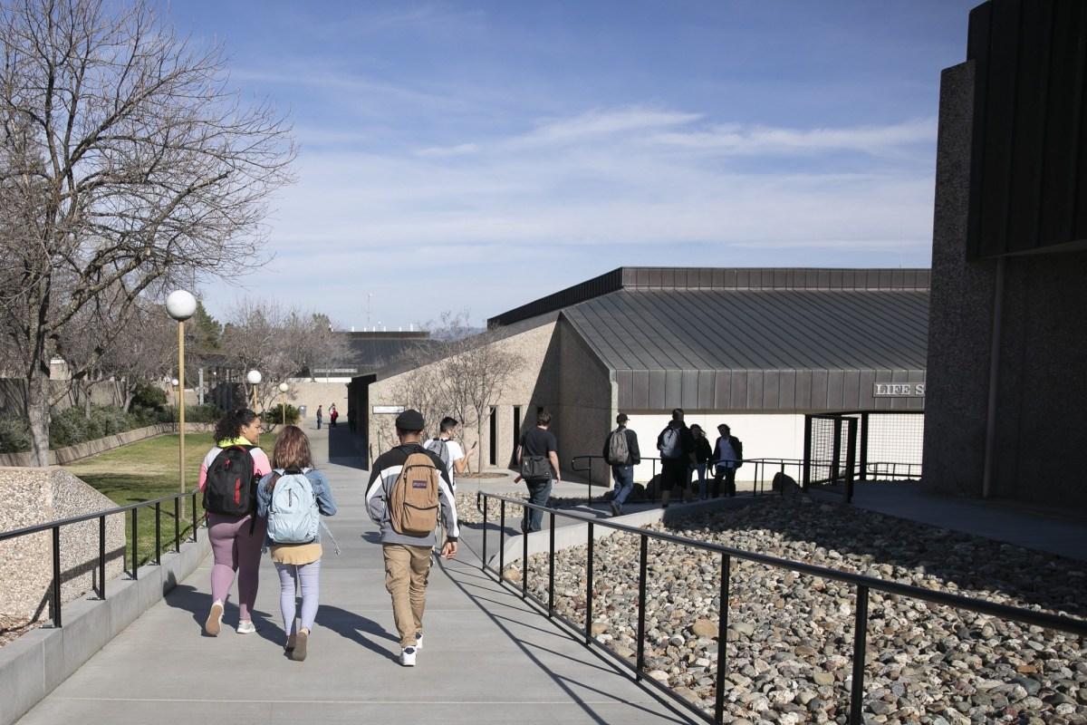 Los colegios comunitarios de California como Butte College recibirán una ayuda federal sustancialmente mayor que en marzo. Foto de Anne Wernikoff para CalMatters
