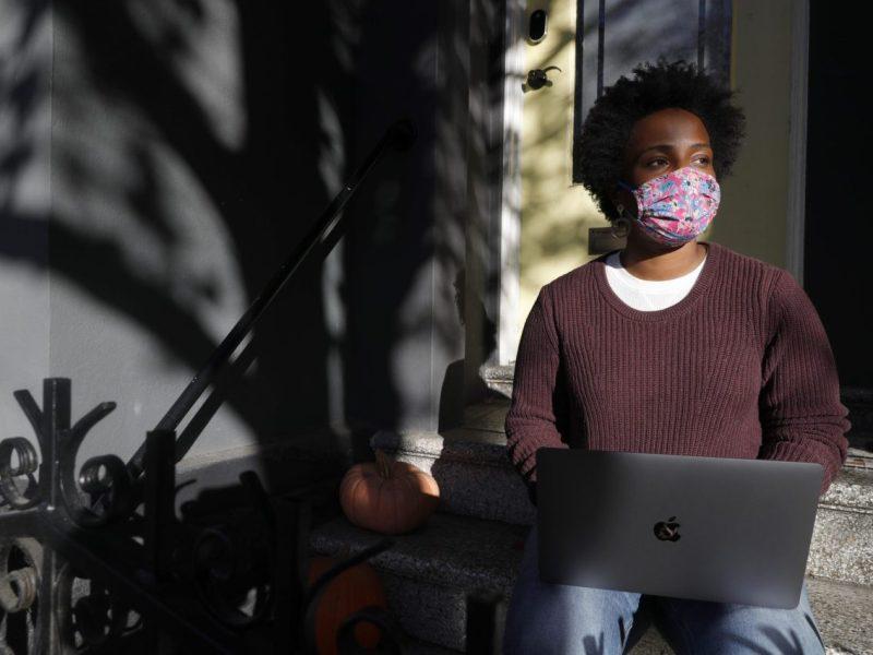 Penny Bailey, reclutadora de tecnología para Figma, trabaja desde su casa en San Francisco, el miércoles 6 de enero de 2021. Foto de Jane Tyska, Bay Area News Group