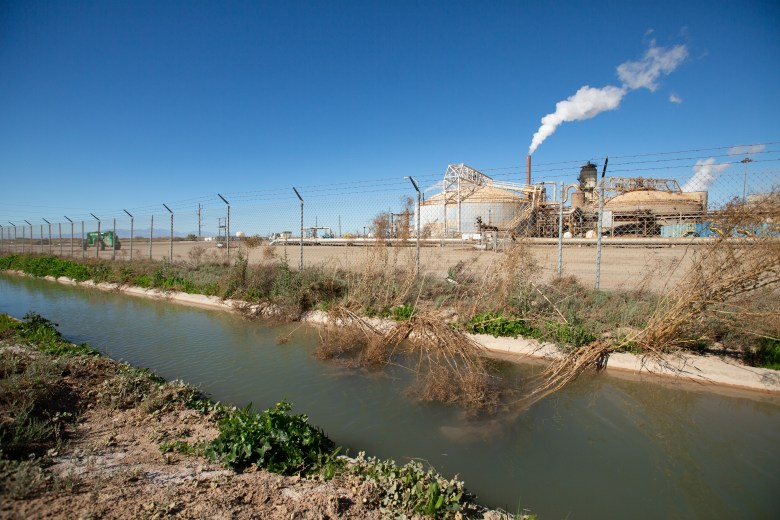 Geothermal plants are surrounded by fields of crops near Brawley on Feb. 5, 2021. Photo by Shae Hammond for CalMatters