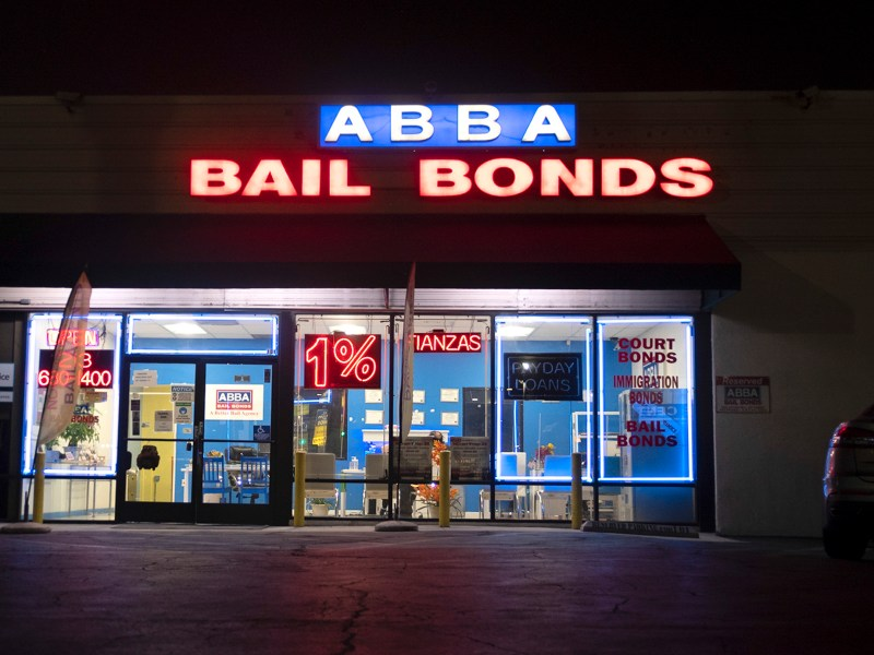 Abba Bail Bonds across from the Twin Towers Correctional Facility in downtown Los Angeles on Oct. 21, 2020. After voters recently rejected Prop. 25 that would have ended cash bail, the California Supreme Curt ruled that some defendants are entitled to relief. Photo by Tash Kimmell for CalMatters