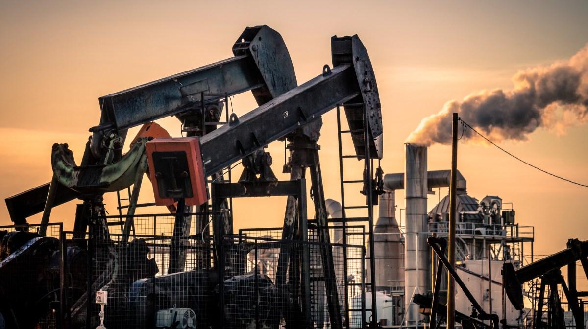 Oil pumpjacks near Fellows, in Kern County. Photo via iStock