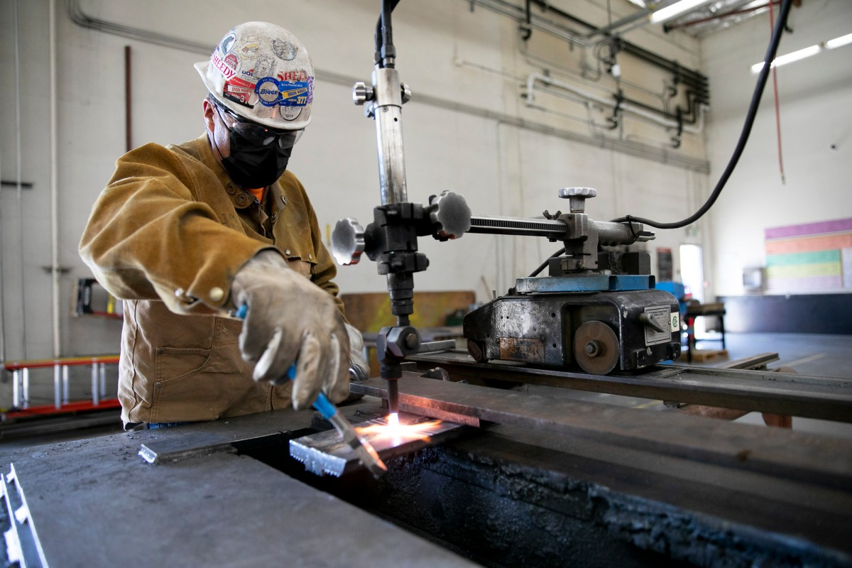 Journeyman Hector Cortez Mesa practices in the welding shop for his recertification on June 10, 2021 at Iron Workers in Benicia. Photo by Anne Wernikoff, CalMatters