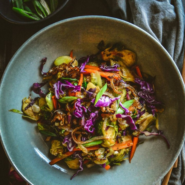 Asian Brussels Sprouts Salad with Sweet Chili Sauce (Vegan)