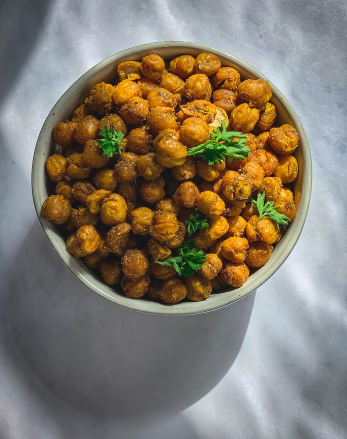 Crispy roasted chickpeas in bowl
