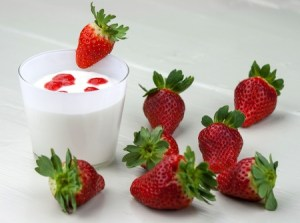 mousse and strawberries