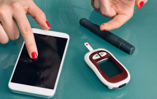Image of equipment to measure blood glucose levels from CALMERme.com