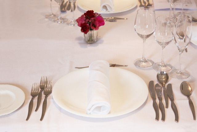 延岡市で結婚式・食事会を行うなら人気の尾崎牛を使用したメニューを提供する「レストランカルムハウス」