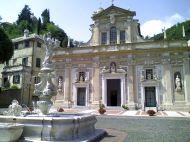 800px-Savona-santuario_Nostra_Signora_di_Misericordia-piazza