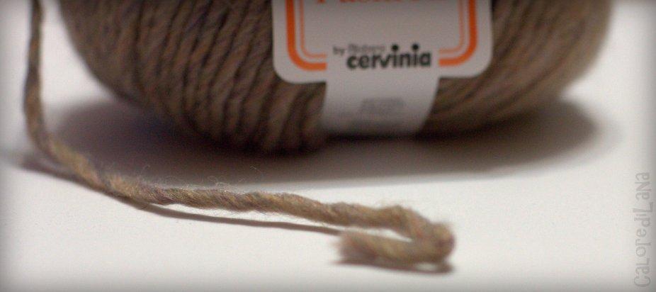 Lana Cervinia Parsifal 65% lana, 35% acrilico, 90 metri, 50 gr Da lavorare con ferri 6. Vendita online su Calore di Lana www.caloredilana.com