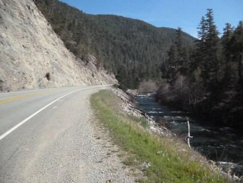 US_199_along_Smith_River