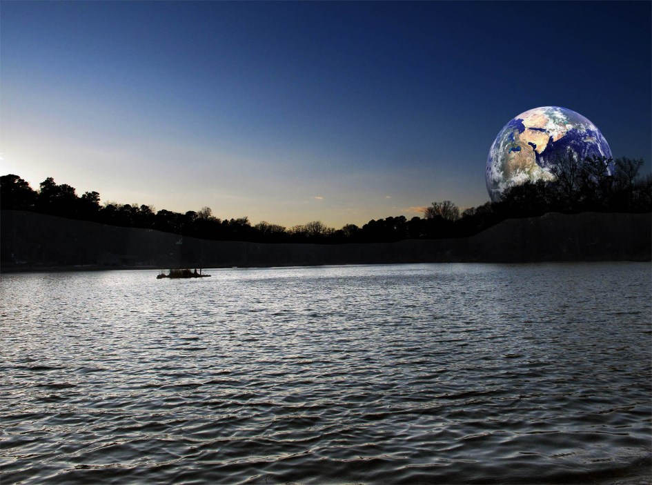 Earthrise over Pine Lake, GA, ©Calvin Burgamy