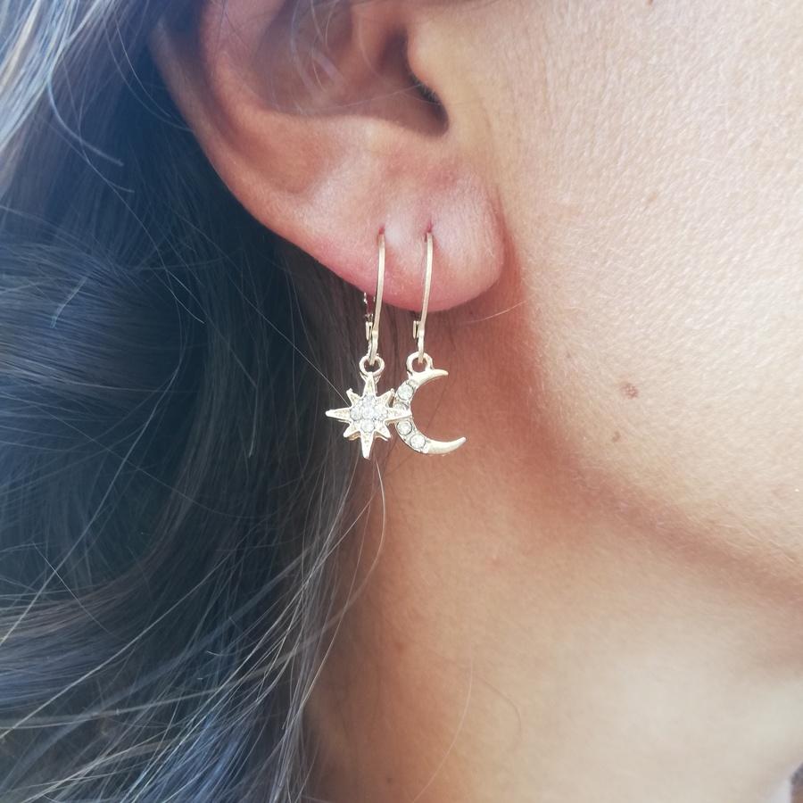 Boucles d'oreilles dépareillées étoile et lune