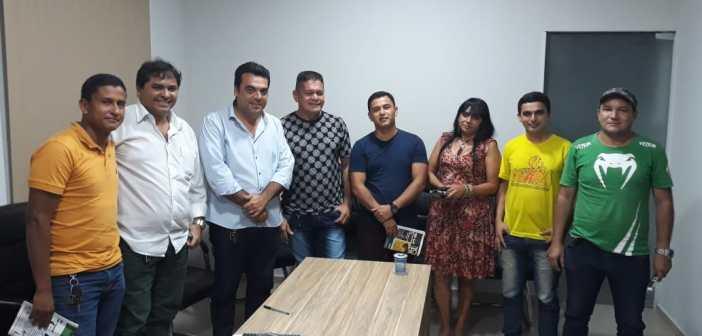 Presidente da Câmara Alacir Vieira Júnior tem reunião com Associação de Camelôs