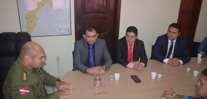Vereadores se Reúnem com Comando da Policia Militar no Município na busca por Mais Ações no Setor
