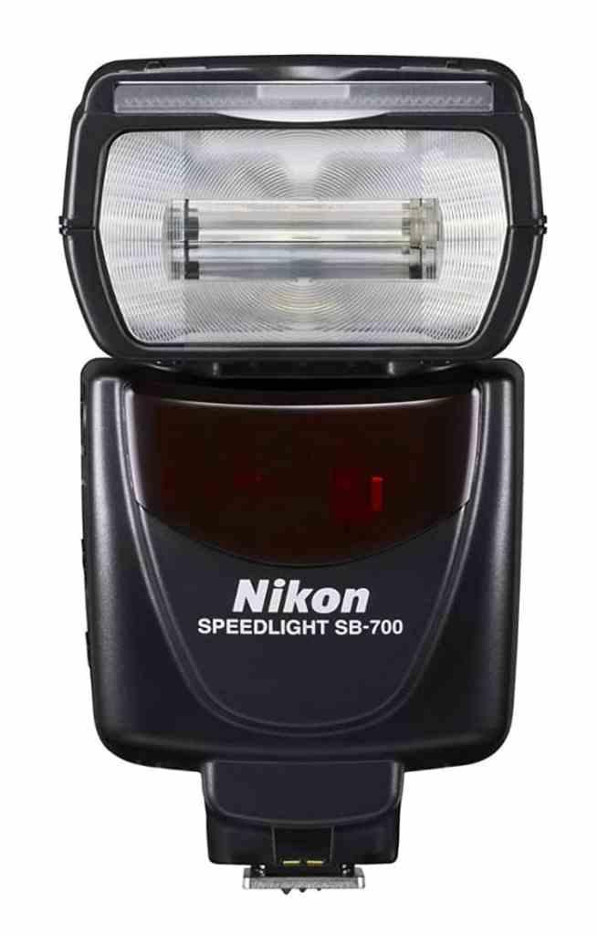 El mejor flash para Nikon:Nikon SB-700 - Flash de zapata para cámaras réflex Nikon