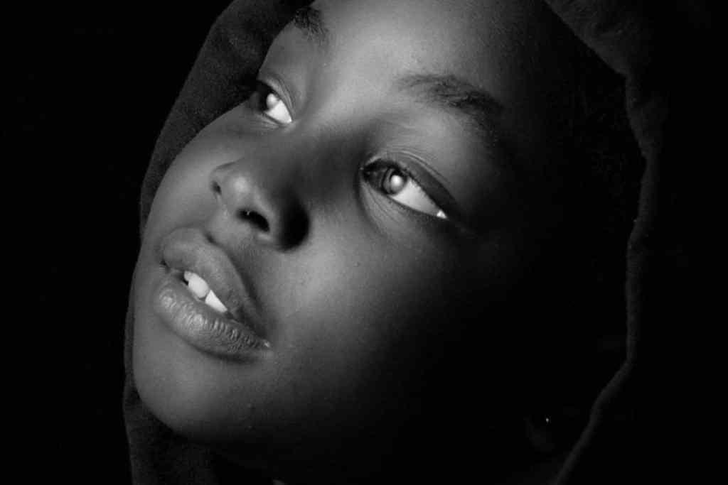 Encuentra la sombra para los retratos