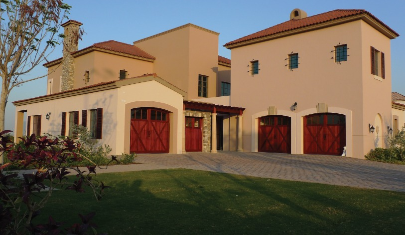 How to Choose a Garage Door's Color to Match the Design of ... on Garage Door Colors Pictures  id=39546