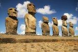 Isla de Pascua: no son solo cabezas… estaban enterradas