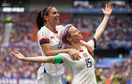 Megan Rapinoe y Alex Morgan (Foto: John Walton/EMPICS/PA Images via Getty Images)
