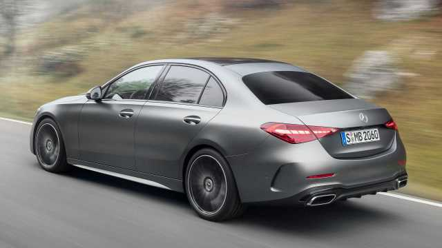 MERCEDES CLASE C 2021 LATERAL TRASERA