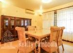 Russian-Market-3-bedroom-villa-for-rent-in-Phsar-Doeumkor-dining-table-PP0002