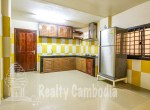 Russian-Market-3-bedroom-villa-for-rent-in-Phsar-Doeumkor-kitchen-1-PP0002