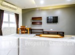 Toul-Kork-1-bedroom-apartment-for-rent-in-Boengkâk-I-livingroom-1ipcambodia