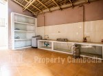 Toul-Kork-6-bedroom-villa-for-rent-in-Boengkâk-I-kitchen-1-ipcambodia