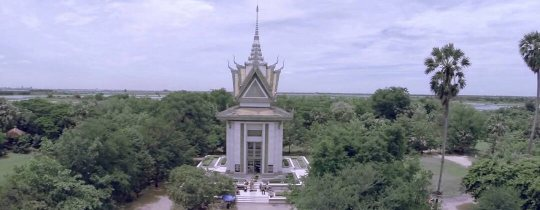 Buddhist Stupa at Choeung Ek Killing Fields - Phnom Penh, Cambodja