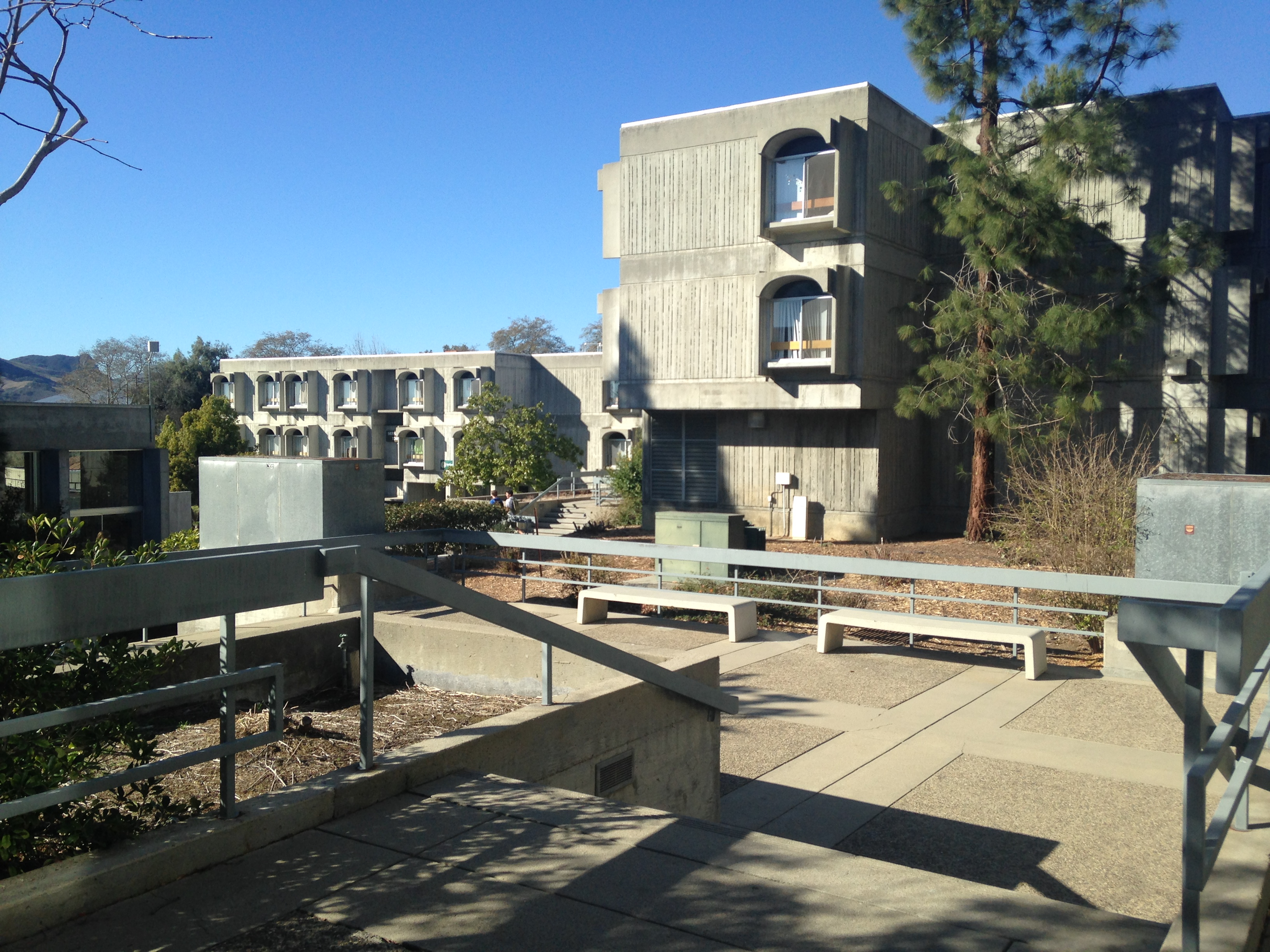 Freshman Dorms: Fact or Fiction (Part 1: The Towers ... on Sierra College Dorms  id=27637