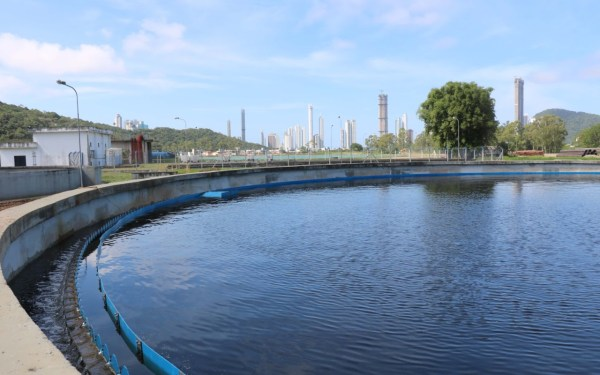 Balneário Camboriú é a única cidade de Santa Catarina perto de atingir a universalização do saneamento básico
