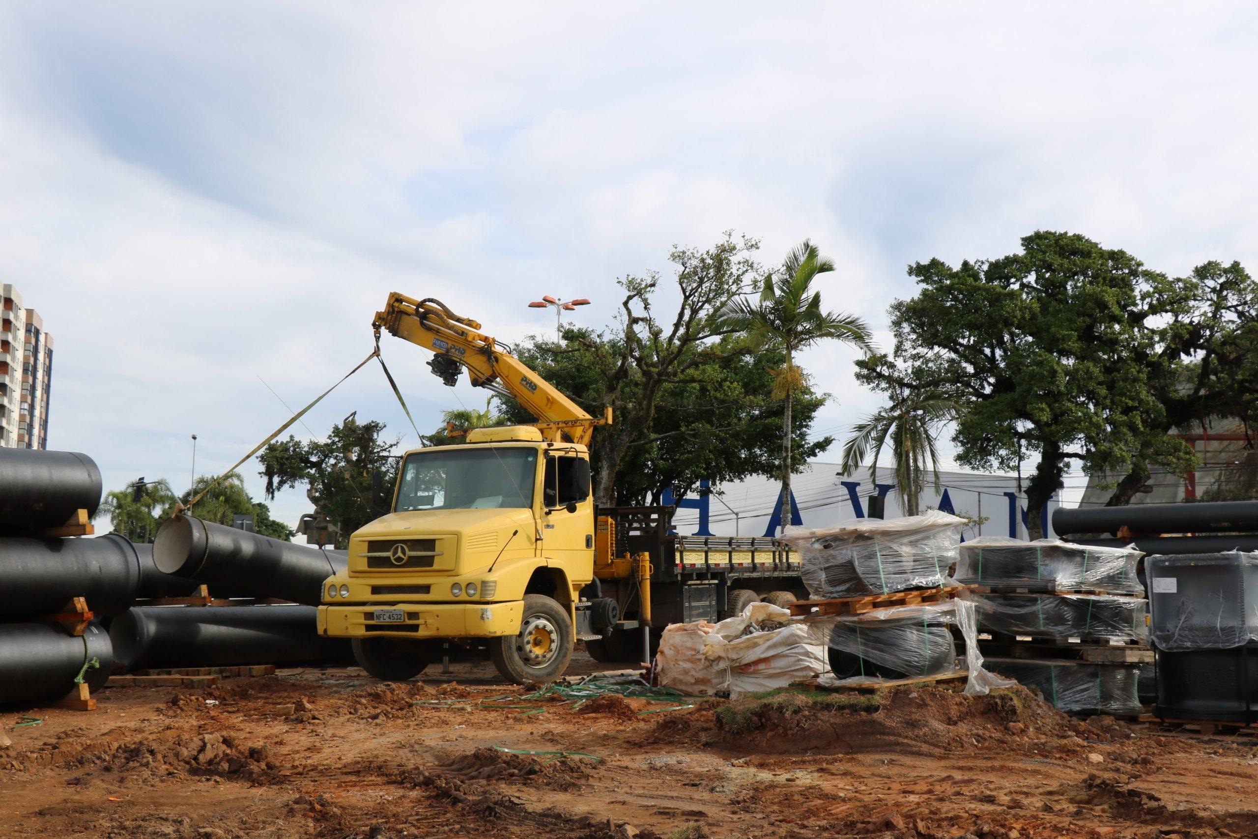 Deslocamento de adutoras na obra do Elevado da Quarta Avenida será feito em duas etapas