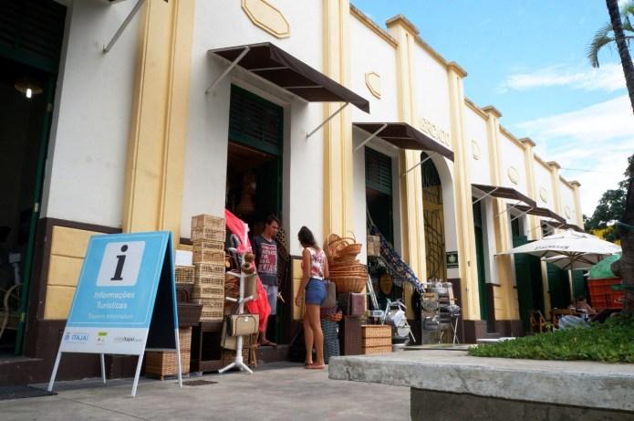 Mercado Público de Itajaí: ótima opção para almoço e happy hour